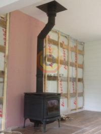 Установка печи-камина Alderlea T5 BP и дымоходной системы Schiedel Permetr со смещением оси дымохода