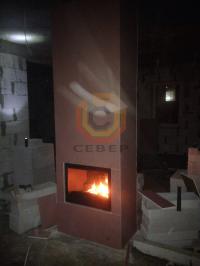 Установка двухстороннего камина и дымохода Schiedel Permetr