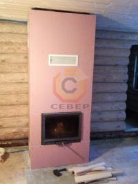 Пристенная установка камина Tarnawa в теплоизолированный конвекционный короб