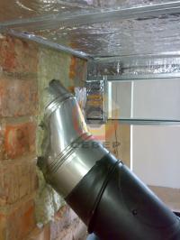 Подключение камина к гильзе дымового канала кирпичной трубы под углом 45 градусов