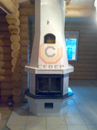Установка камина Keddy в заводской облицовке в центре дома
